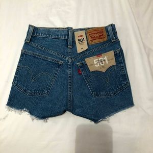 Brand New Levi's cut off shorts!